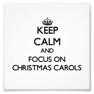 Guarde la calma y el foco en villancicos del navid foto