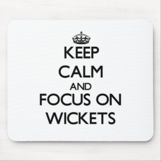 Guarde la calma y el foco en wicketes tapetes de raton