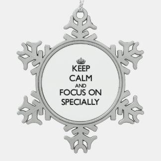 Guarde la calma y el foco encendido especialmente adorno de peltre en forma de copo de nieve