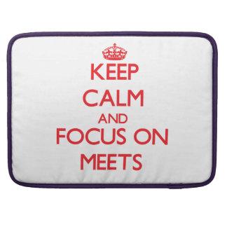 Guarde la calma y el foco encendido se encuentra fundas para macbook pro