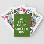 Guarde la calma y el fútbol encendido baraja cartas de poker