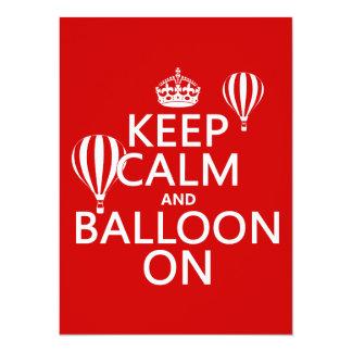"""Guarde la calma y el globo en (la aerostación del invitación 5.5"""" x 7.5"""""""