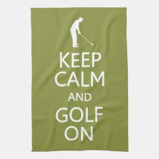 Guarde la calma y el golf en la toalla de cocina d