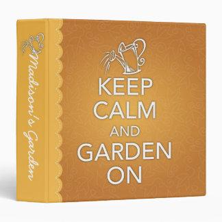 Guarde la calma y el jardín en carpeta