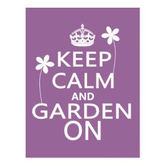 Guarde la calma y el jardín encendido postales