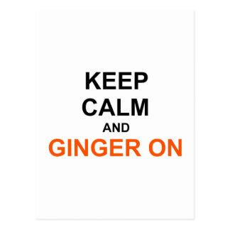 Guarde la calma y el jengibre en el naranja negro postal