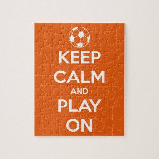 Guarde la calma y el juego en anaranjado y blanco rompecabezas con fotos