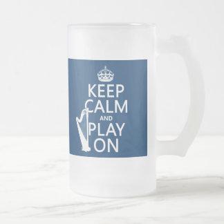 Guarde la calma y el juego en (arpa) (cualquier taza de cristal