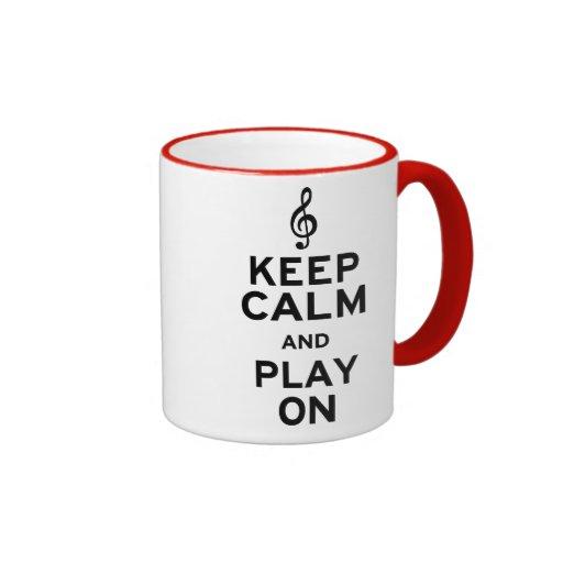 Guarde la calma y el juego en Clef agudo Tazas De Café
