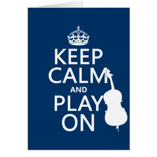 Guarde la calma y el juego en (el bajo doble) tarjeta de felicitación