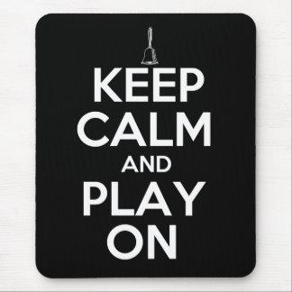 Guarde la calma y el juego en Handbells Mouse Pad