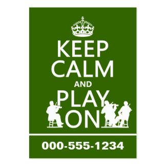 Guarde la calma y el juego en (los instrumentos tarjetas de visita grandes