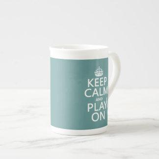 Guarde la calma y el juego en (oboe) (cualquier co tazas de porcelana