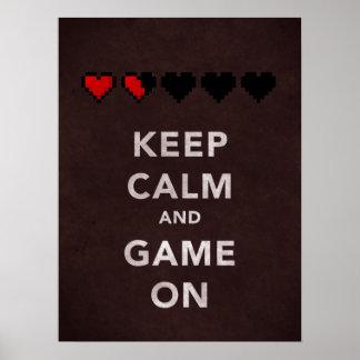 Guarde la calma y el juego en (rojo oscuro) posters