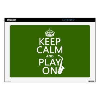 Guarde la calma y el juego en (saxofón) (cualquier portátil calcomanías