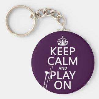 Guarde la calma y el juego en (Trombone) (cualquie Llavero Personalizado