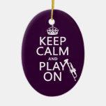 Guarde la calma y el juego en (trompeta) (todos lo ornamentos para reyes magos