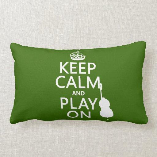 Guarde la calma y el juego en (violoncelo) (cualqu cojines