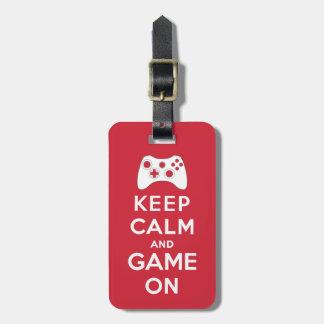 Guarde la calma y el juego encendido etiquetas de equipaje