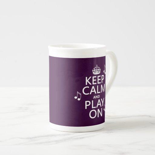 Guarde la calma y el juego encendido - las notas d tazas de porcelana