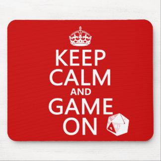 Guarde la calma y el juego encendido - los dados - mousepad