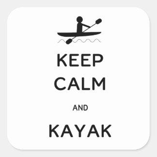 Guarde la calma y el kajak pegatinas cuadradases personalizadas