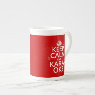 Guarde la calma y el Karaoke (el color del persona Taza De Porcelana