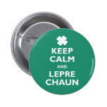 Guarde la calma y el Leprechaun Pin