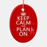 Guarde la calma y el plan en (en cualquier color) ornamente de reyes