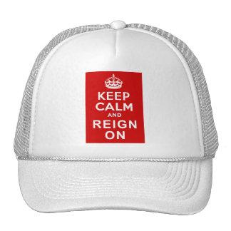Guarde la calma y el reinado en los regalos del ju gorras