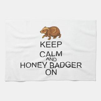Guarde la calma y el tejón de miel encendido toallas de cocina