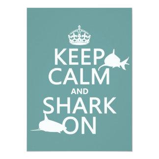 """Guarde la calma y el tiburón en (los colores invitación 5.5"""" x 7.5"""""""