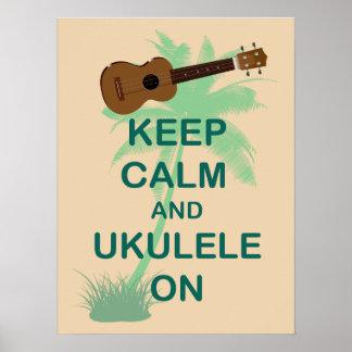 Guarde la calma y el Ukulele en el poster único de