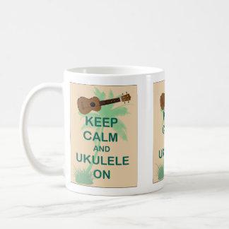 Guarde la calma y el Ukulele en la impresión origi Tazas De Café