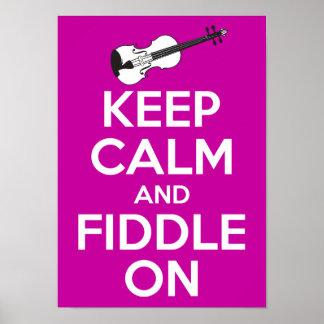 Guarde la calma y el violín en (el rosa de Fuschia Posters