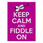 Guarde la calma y el violín en (el rosa de Fuschia Póster