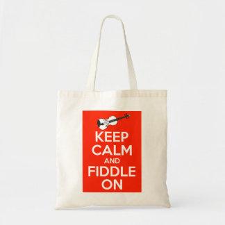 Guarde la calma y el violín en rojo bolsa