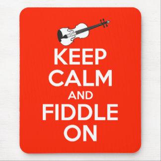 Guarde la calma y el violín en rojo alfombrilla de ratón