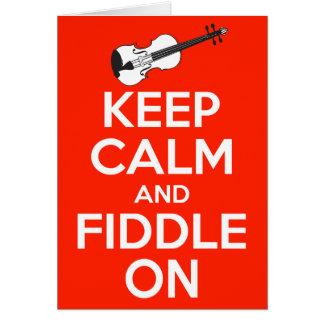 Guarde la calma y el violín en rojo tarjeta pequeña