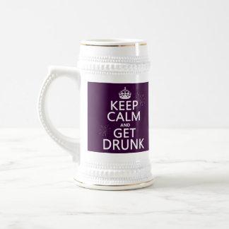 Guarde la calma y emborráchese (los colores jarra de cerveza