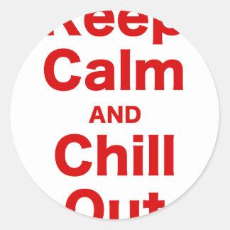 Guarde la calma y enfríese hacia fuera pegatina redonda