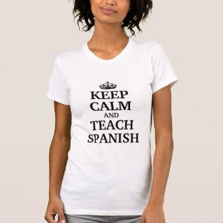 Guarde la calma y enseñe al español playeras