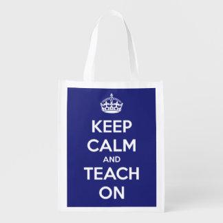 Guarde la calma y enséñela en bolso azul bolsas de la compra