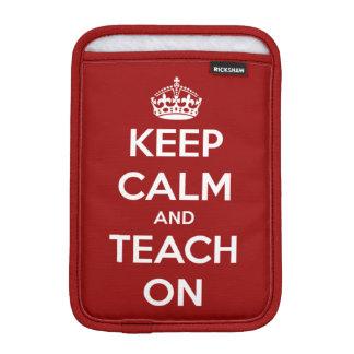 Guarde la calma y enséñela en el rojo fundas para iPad mini