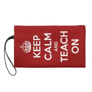 Guarde la calma y enséñela en rojo