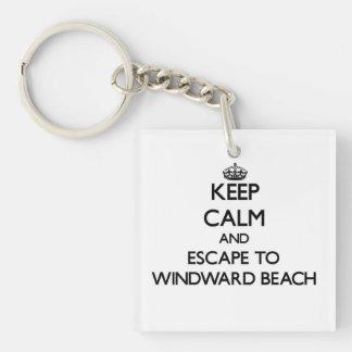 Guarde la calma y escápese a la playa de llavero cuadrado acrílico a una cara