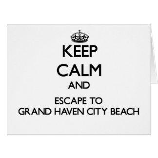 Guarde la calma y escápese a la playa magnífica tarjetón