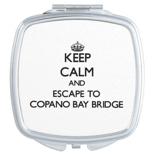 Guarde la calma y escápese al puente Tejas de la Espejos Compactos
