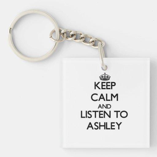 Guarde la calma y escuche Ashley Llavero