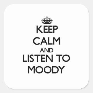 Guarde la calma y escuche cambiante calcomanías cuadradas